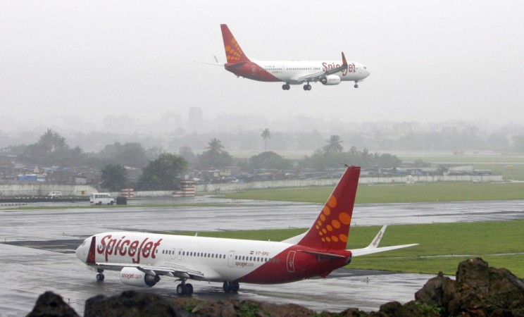 spicejet aviation civil passenger volume dgca traffic india growing budget low cost carrier airline data merchanise share price loss net profit results q1