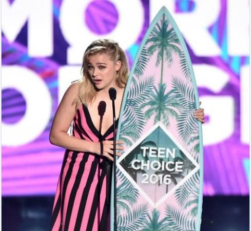 Chloe Mortez with her Teen Choice award
