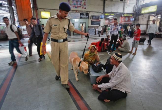 Railway police, sniffer dog