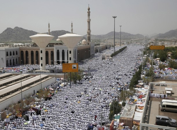 hajj haj pilgrims india bjp nda modi medina saudi arabia mecca madinah id muslims accidents stampede naqvi mukhtar
