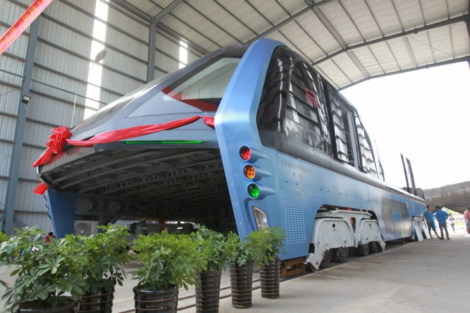 China's 'Straddling bus' is fast becoming a reality