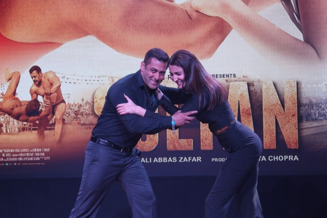 """Salman Khan's """"Sultan"""" enters Rs 300 crore club in 5th week box office collection. Pictured: Salman Khan and Anushka Sharma"""