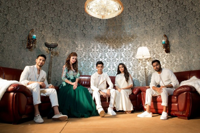 'Sirikkadhey' Song to be Out on Thursday
