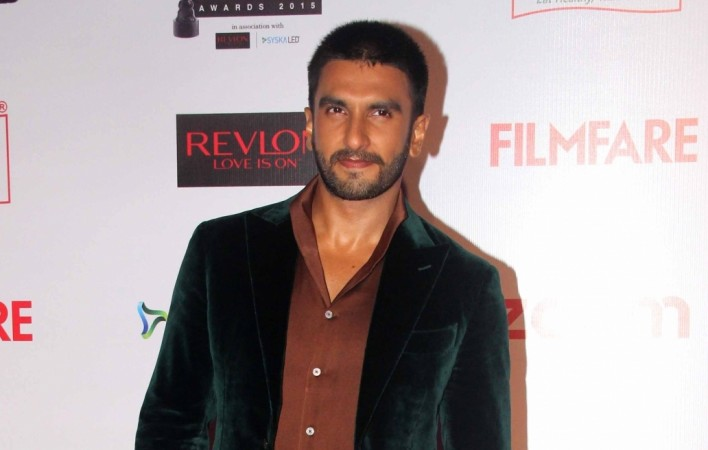 "Ranveer Singh may prefer Zoya Akhtar's ""Gully Boy"" over ""Padmavati""? Pictured: Ranveer at a Filmfare event."