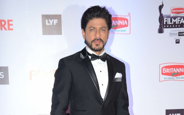 Shah Rukh Khan Reveals The Release Date Raees Trailer