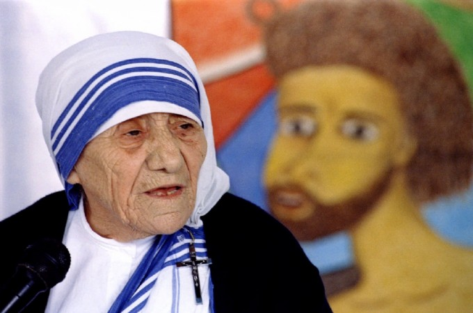 Mother Teresa speaks at a meeting held by Indian Christians in New Delhi