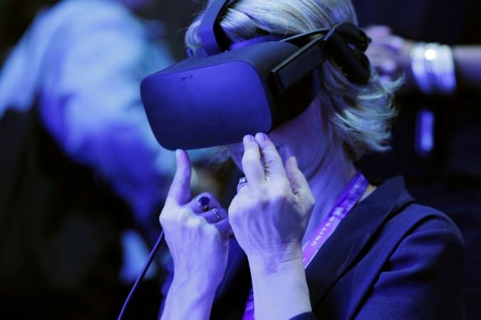 Virtual Reality vs Augmented Reality