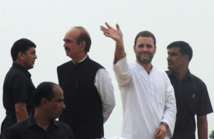Congress Vice-President Rahul Gandhi and party leader Ghulam Nabi Azad at the launch of the Kisan Yatra in Rudrapur of Uttar Pradesh's Deoria district on Sept. 6, 2016.
