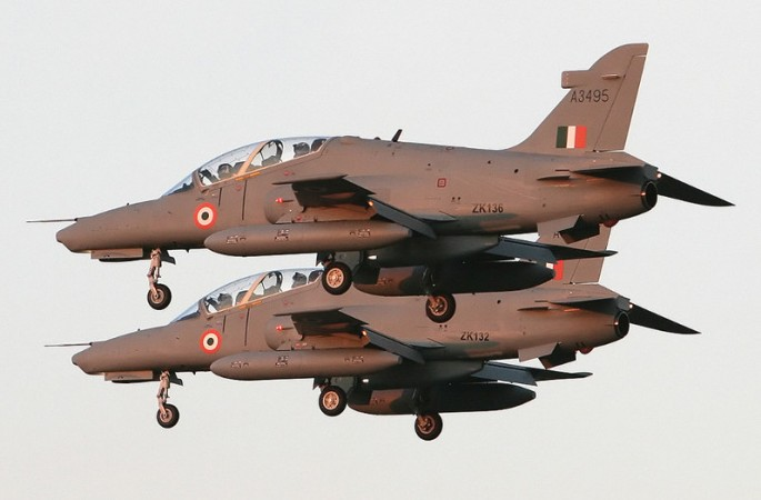India to go in for 32 more Hawk trainers