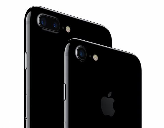 What are the offers on iPhone 7 and iPhone 7 Plus in India?