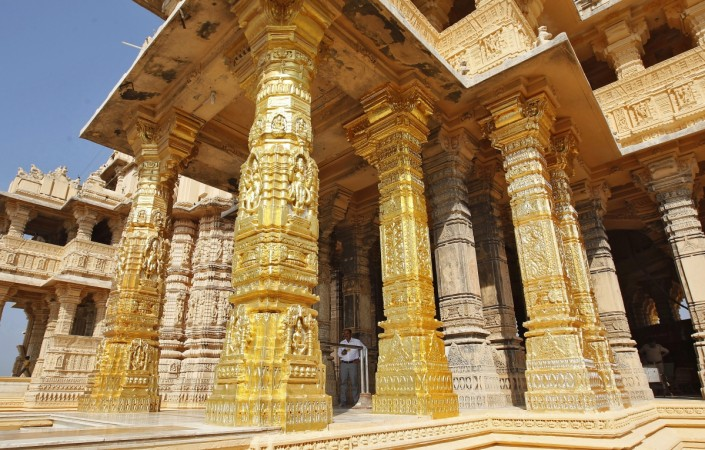 gold scheme modi somnath temple trust deposit gms monetisation monetization tirupati interest idle gold cash rich gold value sovereign sgb investment temple