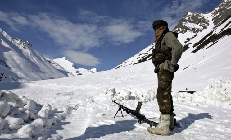 India to construct composite border outposts