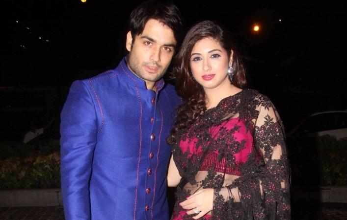 Is Vipul responsible for 'Shakti' actor Vivian and Vahbiz's separation? Pictured: Vivian Dsena and Vahbiz Dorabjee at Nikitin Dheer and Kratika Dheer's wedding.