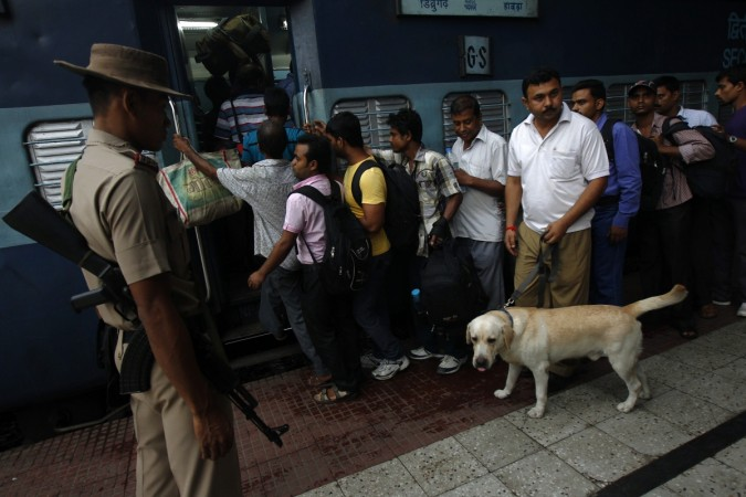 caclutta police sniffer dog