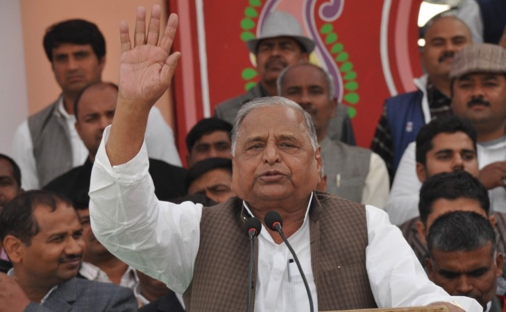 Akhilesh Yadav Vows Full Support To Shivpal After Mulayam's Lesson