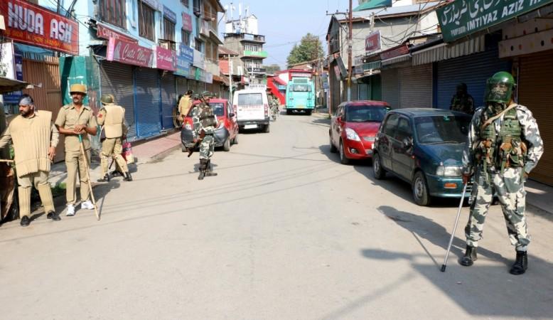 In Kashmir, Students Defy Hurriyat's 'Hartal Calendar' To Appear For Exams