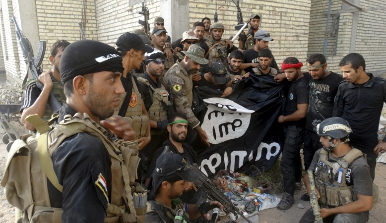 Islamic State Attacks U.S. Base in Iraq With Possible Chemical Agent