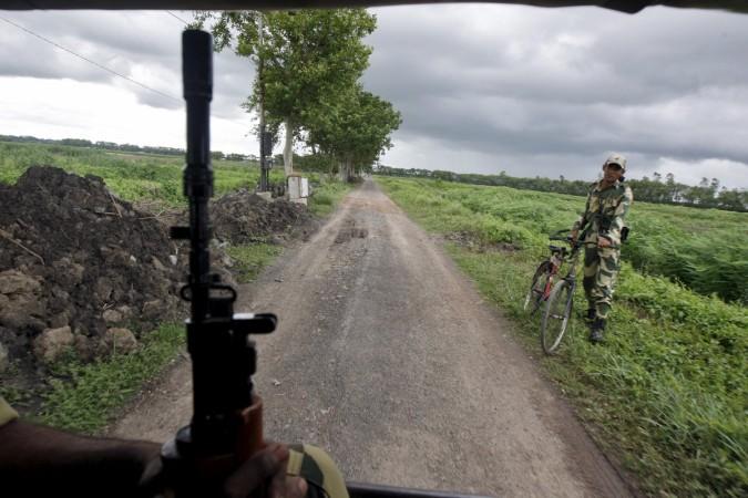 Bangladesh to construct fences along India border