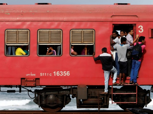 colombo train sri lanka commuters india trade links relations bilateral nirmala sitharaman ecta talks