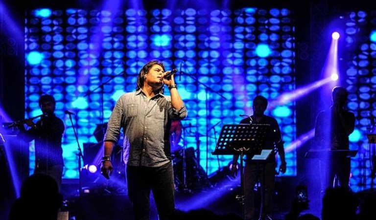VHP and Bajrang Dal has called for the cencellation of Shafqat Amanat Ali concert in Bengaluru