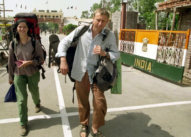 tourists wagah border