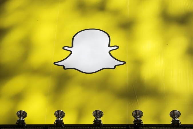 Snapchat Updates Adds Giphy, And Friends And Discovery Pages