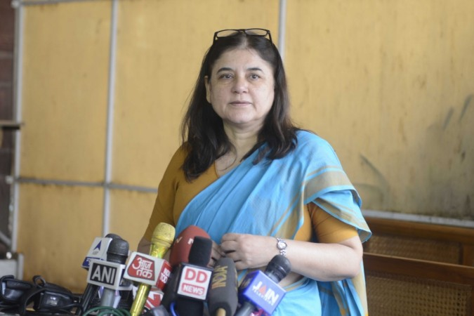 Maneka Gandhi abuses officer, accused of corruption, in UP