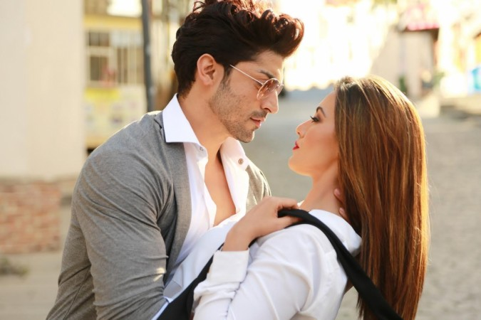 Sana Khan and Gurmeet Choudhary in Wajah Tum Ho