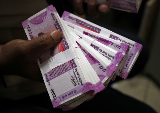 cash atm rs 2000 notes currency rbi demonetisation black money modi govt narendra pm congress bjp
