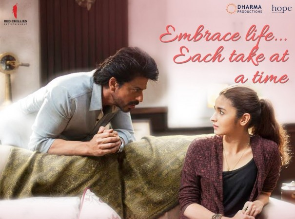 Shah Rukh Khan and Alia Bhatt in Dear Zindagi