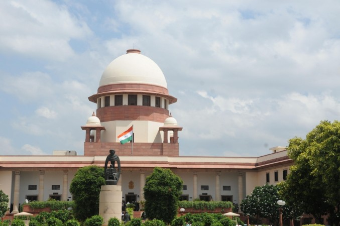 SC asks Centre to constitute special court for cases against MPs, MLAs