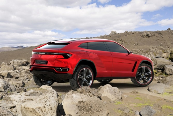 Lamborghini's first SUV will pump out 650 hp