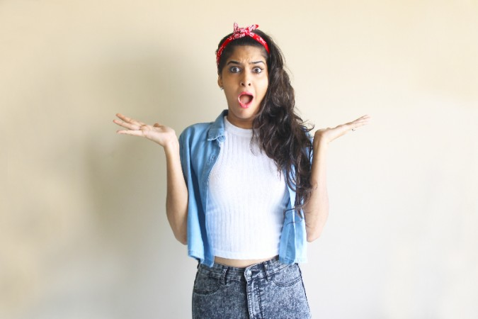anisha, rickshawali, sumit verma, kissing prank