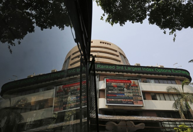 Sensex Gives Thumbs Up To Arun Jaitley's Budget, Surges over 400 Points