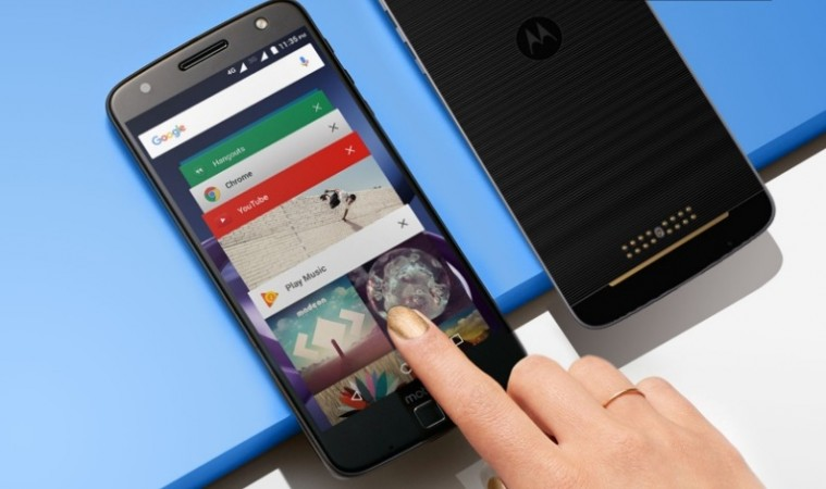 motorola phone 2017. moto z (2017) makes an appearance at sprint\u0027s gigabit lte event; key design language revealed motorola phone 2017
