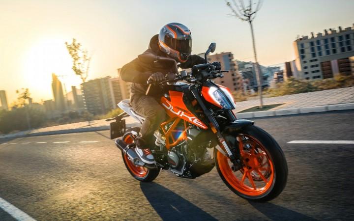 KTM to launch 2017 Duke range in India on February 23