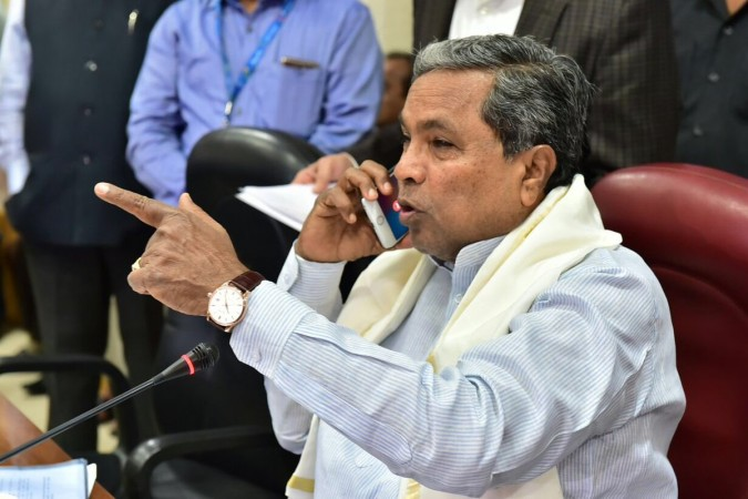 Karnataka waives farmer loans worth Rs 8165 crore; Siddaramaiah eyes elections?