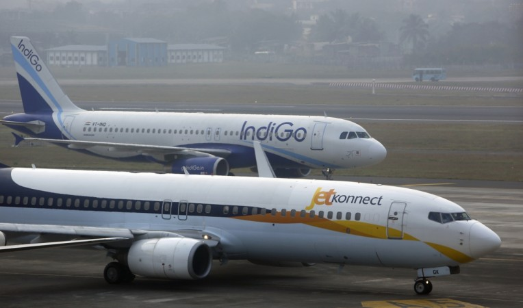 domestic air traffic april 2017, indigo market share, spicejet market share, goair market share, jet airways market share