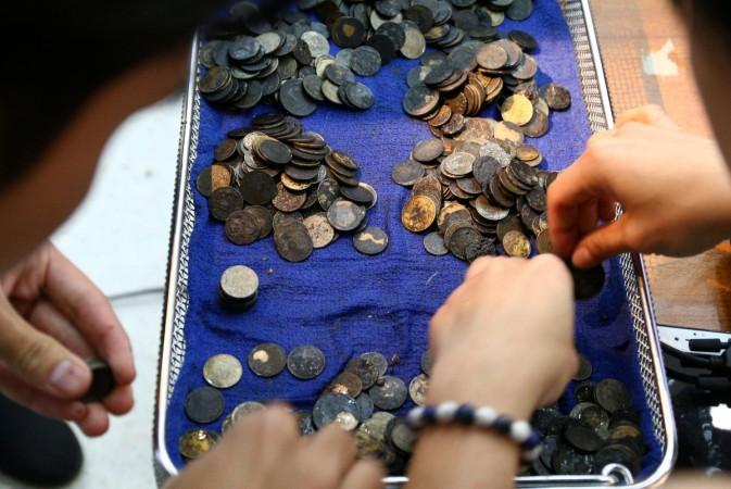 green sea turtle, Omsin, coins, operation, Bangkok,