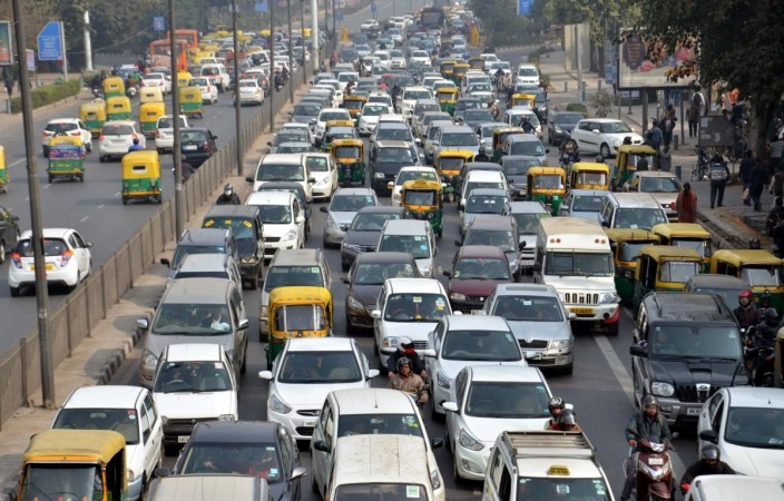 India 39 s regulator reduces third party insurance premium in for Third party motor vehicle