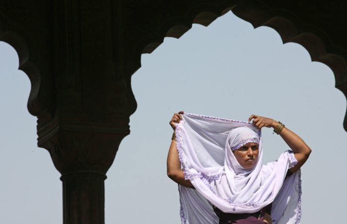 India's Supreme Court bans 'triple talaq' practice