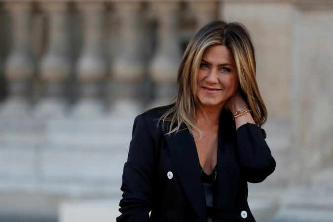 Justin Theroux Shares Rare Selfie With Jennifer Aniston in Paris: 'In Louvre'