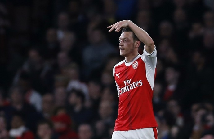 Arsenal star Mesut Ozil edging closer to January transfer away from Arsenal