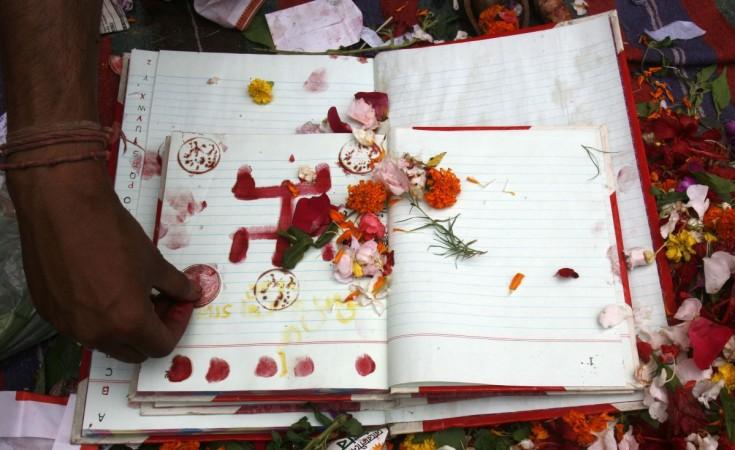 Bengali New Year Calendar : Bengali new year poila baisakh or boishakh here