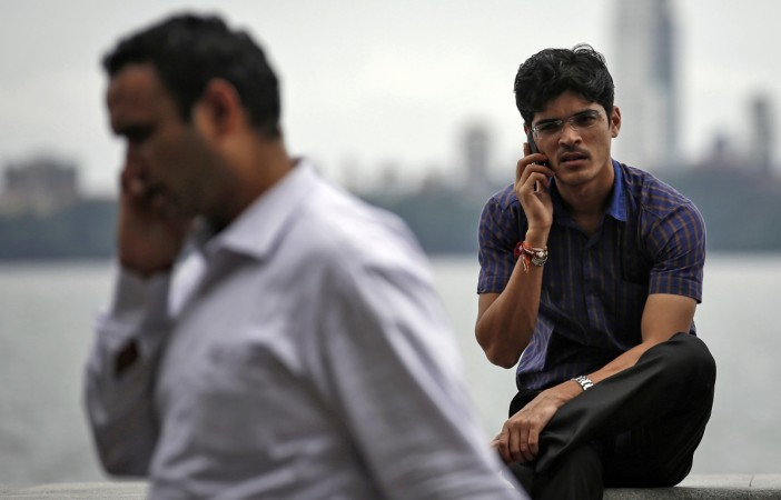 Chinese Phone Manufacturers Grab 53% Indian Smartphone Market In 2017: IDC