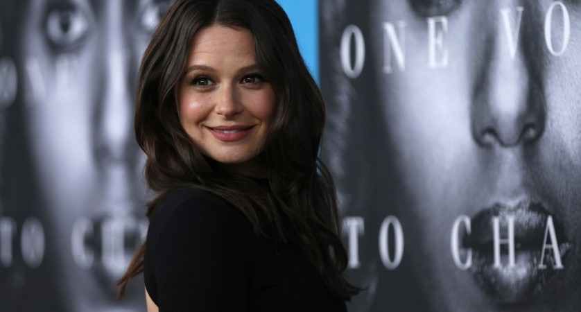 'Scandal' Star Katie Lowes Announces Her First Pregnancy, Addresses Cancellation Rumors