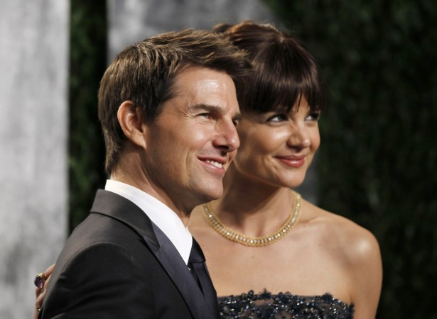 Tom Cruise's 'no-dating clause' gets kiss-off from lawyers