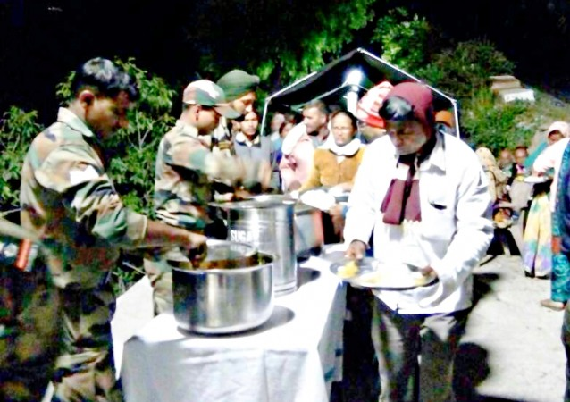 Indian Army camp for pilgrams stranded in Vishnuprayag