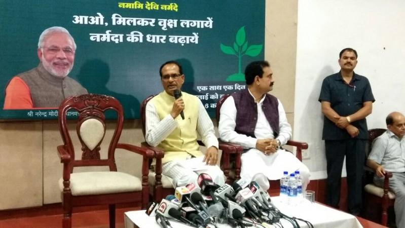 Mandsaur incident: CM Shivraj Singh Chouhan ends his fast