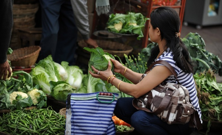 India's Wholesale Price Inflation Rises In October